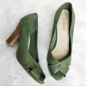 Seychelles Antiqued Green Vintage Inspired Heels